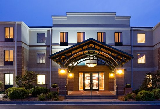 Staybridge Suites Middleton / Madison: Exterior