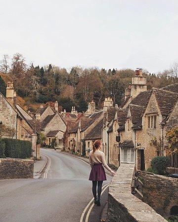 Coup de cœur absolu pour le village de Castle Combe dans les Cotswolds en Angleterre.