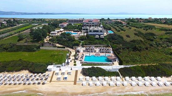 Pomegranate Wellness Spa Hotel, Hotels in Gomati