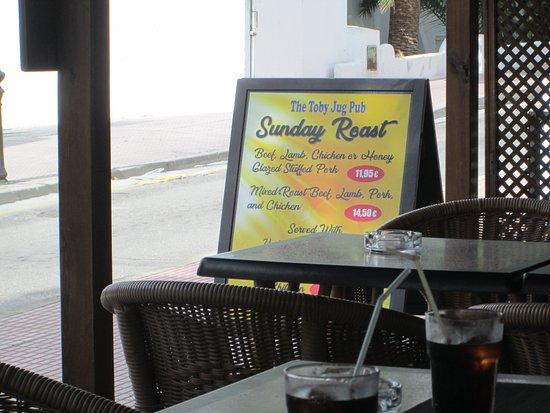 Toby Jug: Sunday Roast Sign