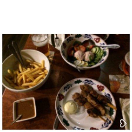 Wichmond, The Netherlands: Saté, Frites & Salade