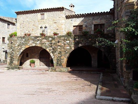 Monasterio de Sant Miquel de Cruilles