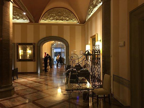 Grand Hotel Cavour Photo