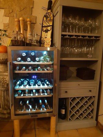Nasza lodówka dwu strefowa na wino :)