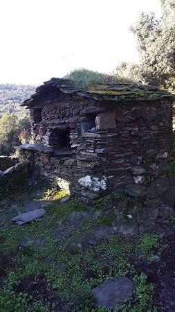 Haute-Corse, France: Pagliaghju (ancien four) sur le chemin de la Grotte de la Résistance