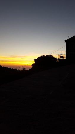 Haute-Corse, France: Lever de soleil depuis la place de l'église