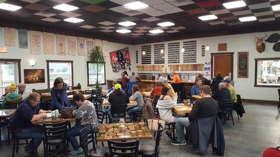 Calmar, Iowa: Pivo Taproom