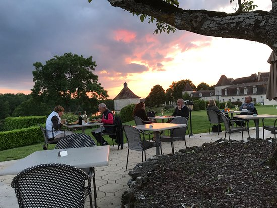 Chateau Des Vigiers: Sunset on the terrace