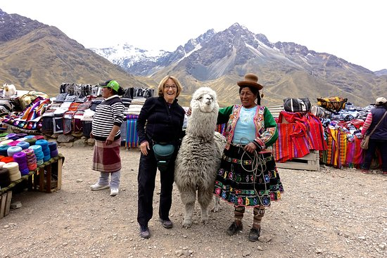 Puno Region, Pérou : At the market in the high Andes