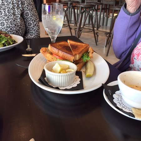Maxwell's On The River: Lunch at the hotel