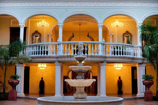 Hotel Mansión Mérida on the Park