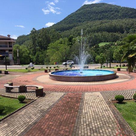 Praça Municipal de Poço das Antas