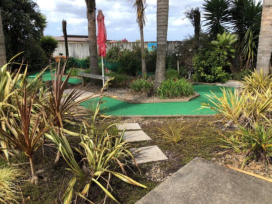Birdwood Springs Mini Putt