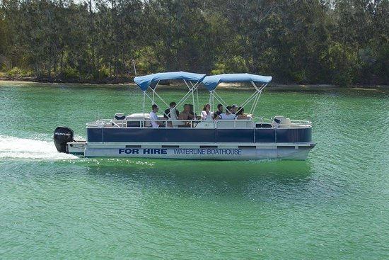 Forster, Australia: 12 person BBQ Pontoon Boat Available for Hire No Licence required Bookings essential - 6554 6321 1/2 day or full day available