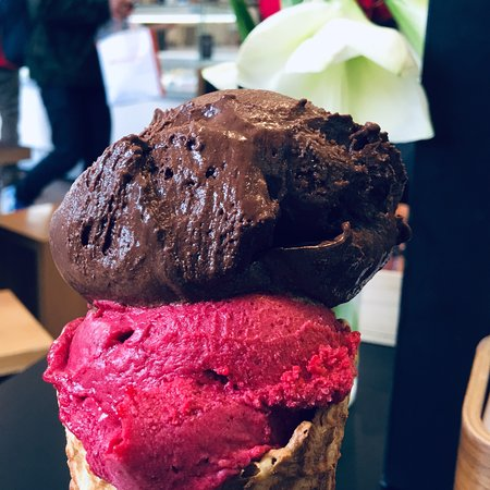 Patagonia Ice Creamery & Chocolaterie لوحة