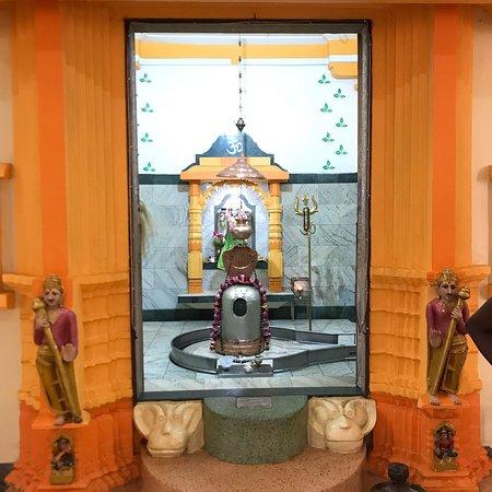 Temple SSDM Shree Sanatan Dharma Mandal