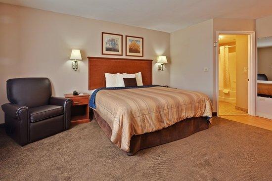 Candlewood Suites Flowood: Suite