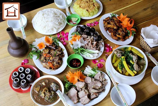 Set lợn mán Bắc Hà 7 món có giá 725k là một trong những món ăn làm lên thương hiệu của Pao Quán