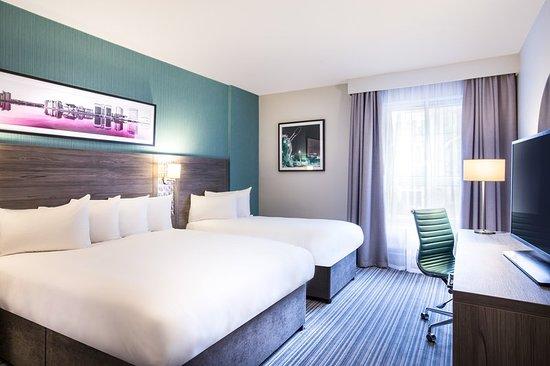 jurys inn belfast c 1 5 2 c 102 updated 2018 prices. Black Bedroom Furniture Sets. Home Design Ideas