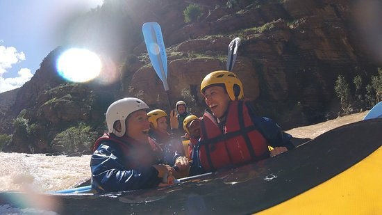 Azilal, Maroko: This tells you everything about rafting! FUN!