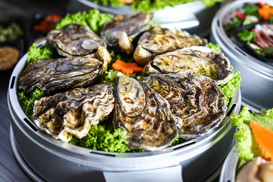 Captain K Seafood Tower: Oysters