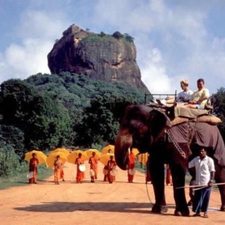 WOW Lanka Travels