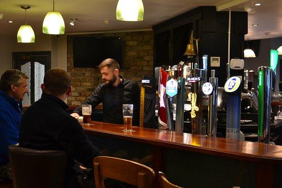Blackwater Lodge Hotel: Bar Counter