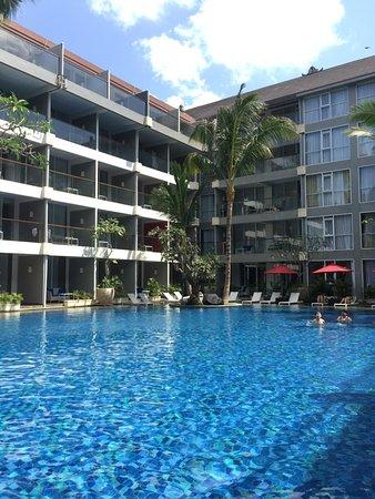 Nice hotel, beautiful pool with bad location