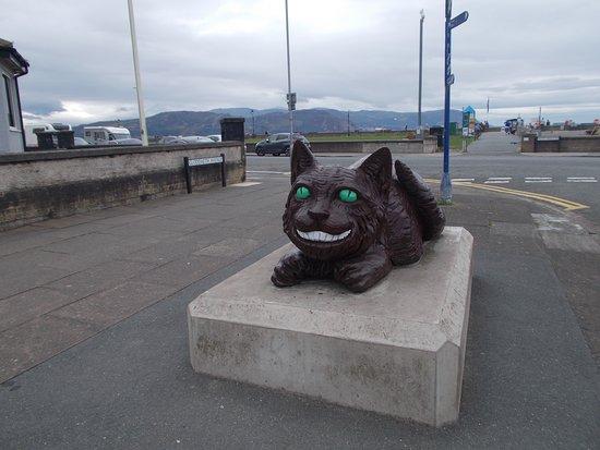 Cheshire Cat Statue