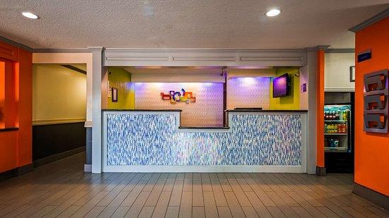 Vidor, TX: Hotel Lobby & Reception