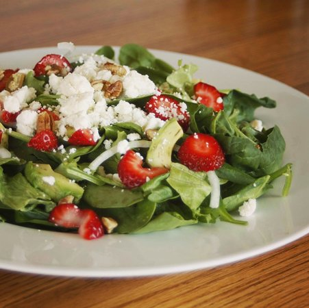 Brunswick, MO: Our Summer Strawberry Spinach Salad