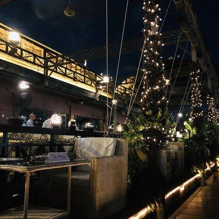 Bopha Phnom Penh - Titanic Restaurant Photo