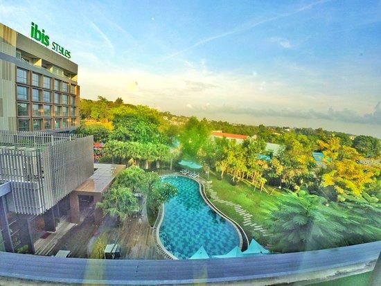 Hotel Bergaya Industrial Minimalis yang Menawan