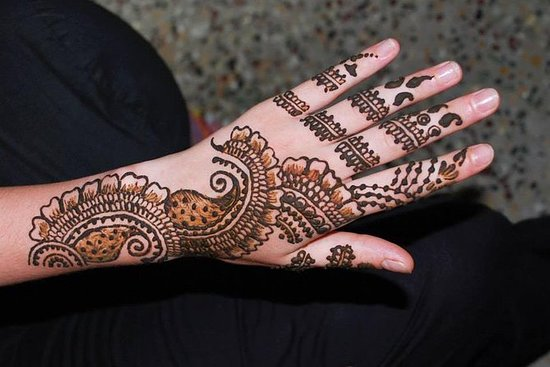 Mehendi Art Class in Pondicherry