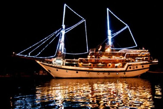 Dinner Cruise on Traditional Wooden...