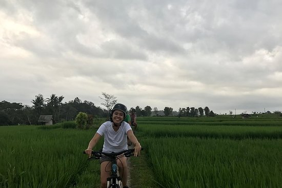 Excursion en vélo dans le village de...