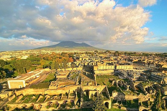 Shore excursion Guided Tour of Pompeii...