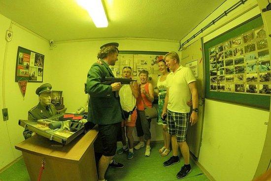 Kommunisme og Bunker Walking Tour i...