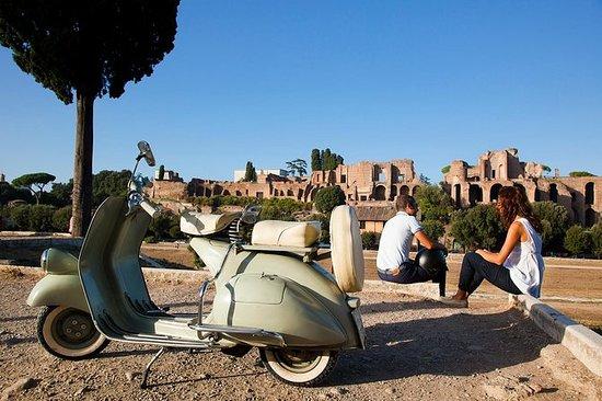 Vintage Vespa Tour med Gourmet Picnic...