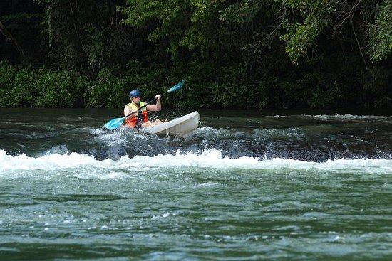 サンイグナチオからMopan川でカヤック