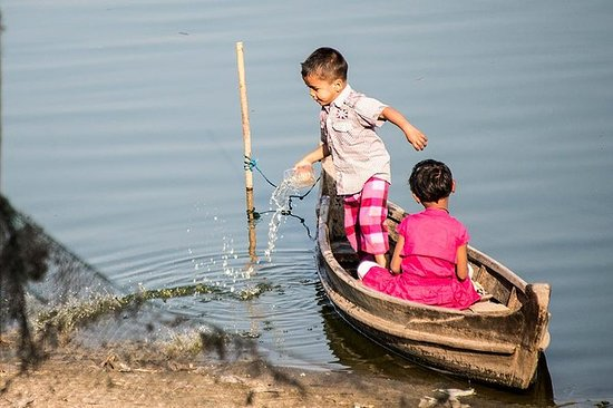 Private Full-Day Inle Lake Tour with...
