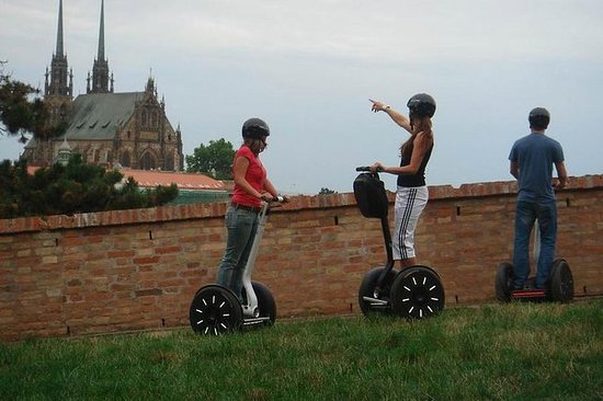 3-timers Segway Tour: Criss-cross Brno