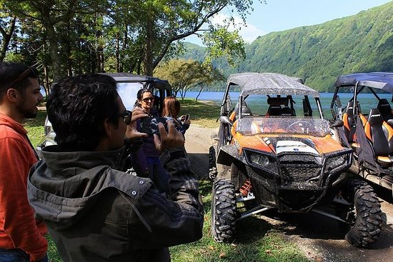 Full-Day Sete Cidades UTV Tour med...