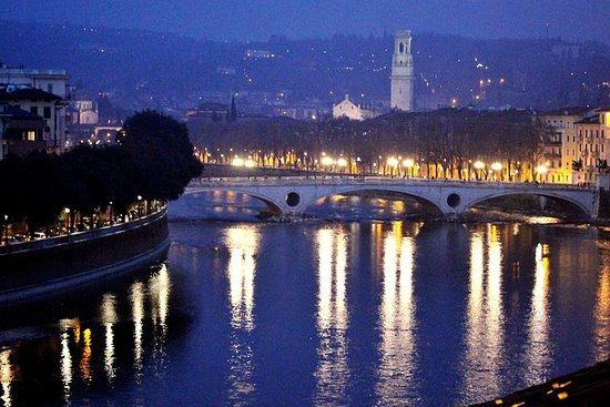 Verona Moonlight Walking Tour
