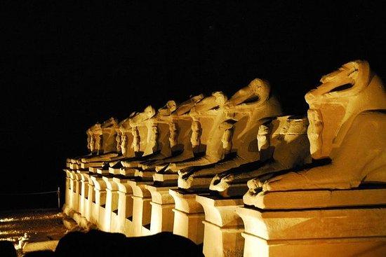 Luxor - Karnak som e luz à noite