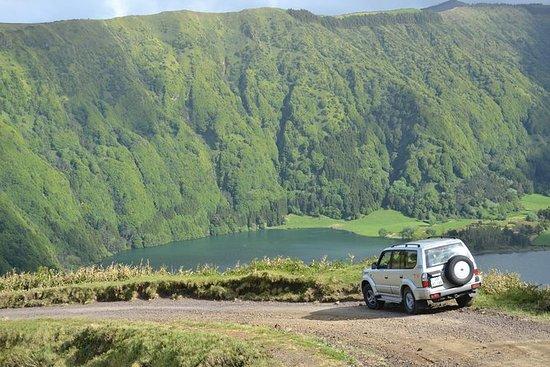 Full-Day Jeep Tour: Sete Cidades og...