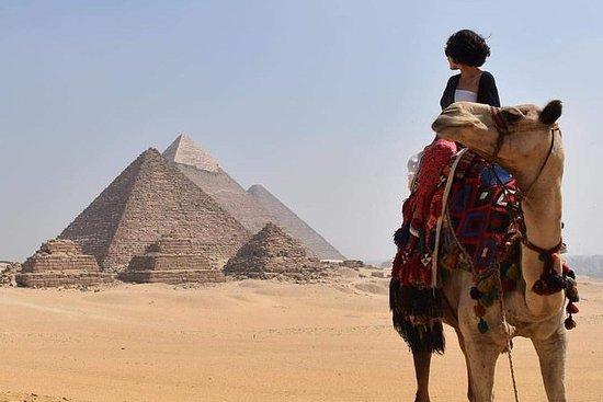 Kamelritt um Gizeh Pyramiden von...