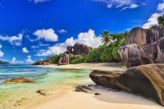 Full-Day Praslin en La Digue per boot ...