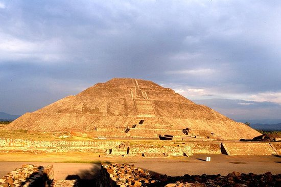 Piramidi di Teotihuacan e tour