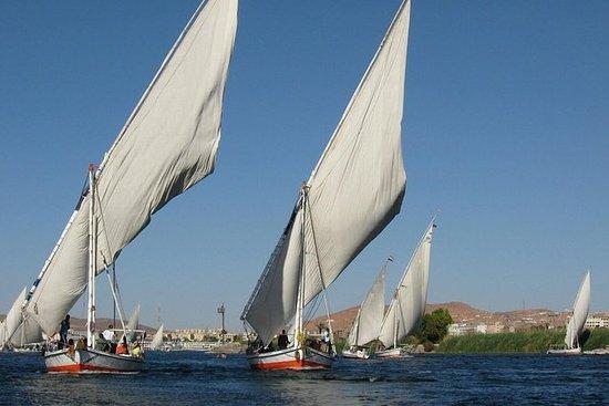 Nile Felucca Sailing y Kings Valley y...